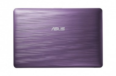 ASUS Eee PC 1015PW Netbooks in bright colors