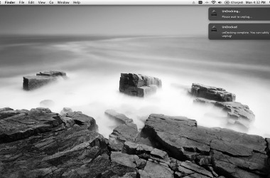 unDock : It is a small Disk Ejecting Utility For your Mac