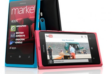 Nokia Lumia 800 : First Look At Nokia's Windows Phone 7