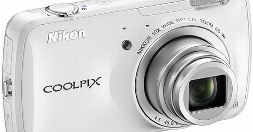 Nikon Coolpix S800c: Another Android Camera Launched At Rs. 20,950