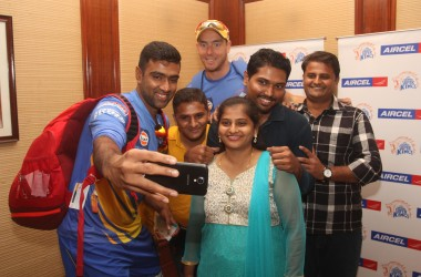 Aircel 1+3 Contest Winner Meets R.Ashwin and Kyle Abbot From Chennai Super Kings!