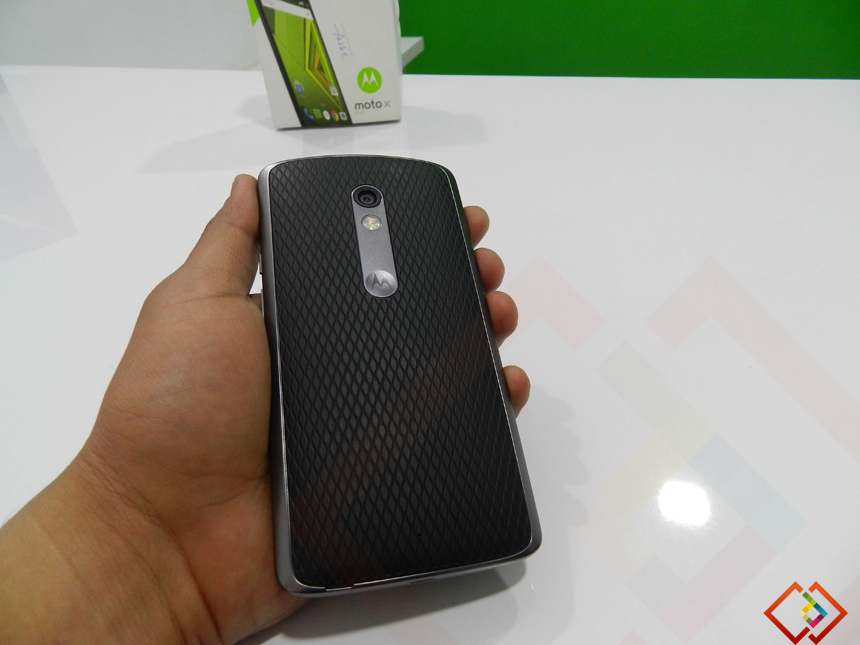 Moto X Play Review Back