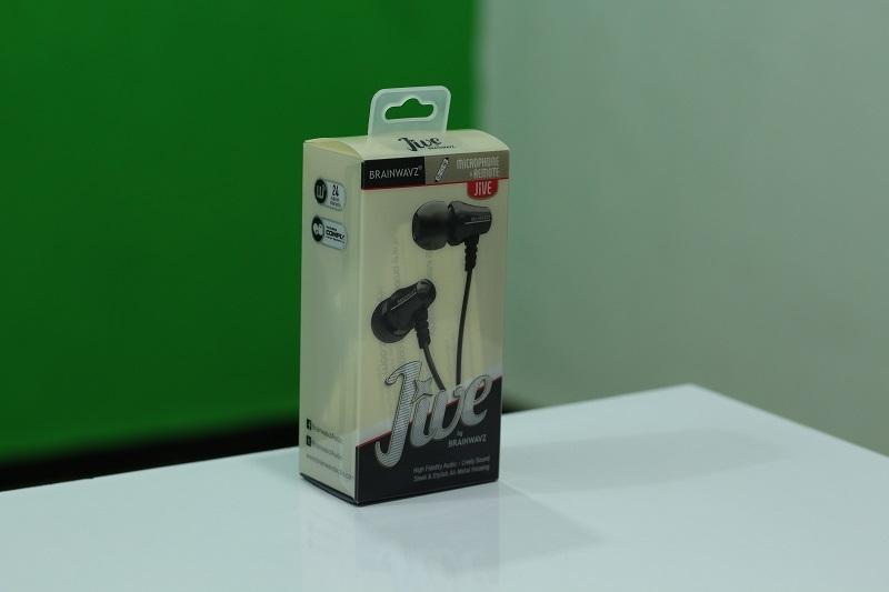 Brainwavz_Jive_In-Ear-Headphones-001_800x533