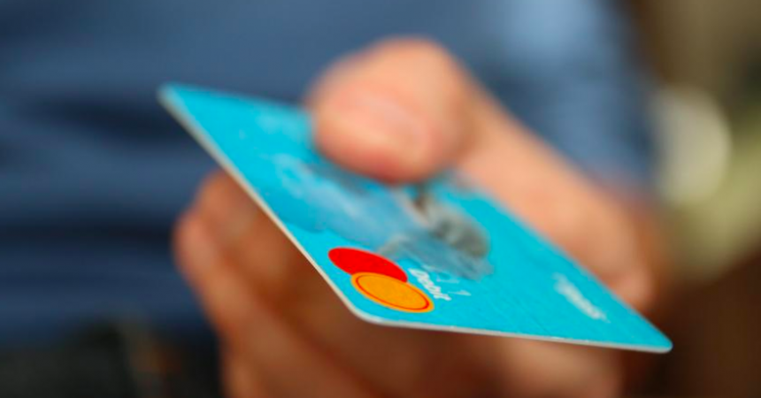 8 Scenarios When Personal Loans Outweigh Credit Cards