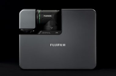 Fujifilm India Debuts in Projector market with Z5000 – World's First Folded Two-Axial Rotatable Lens
