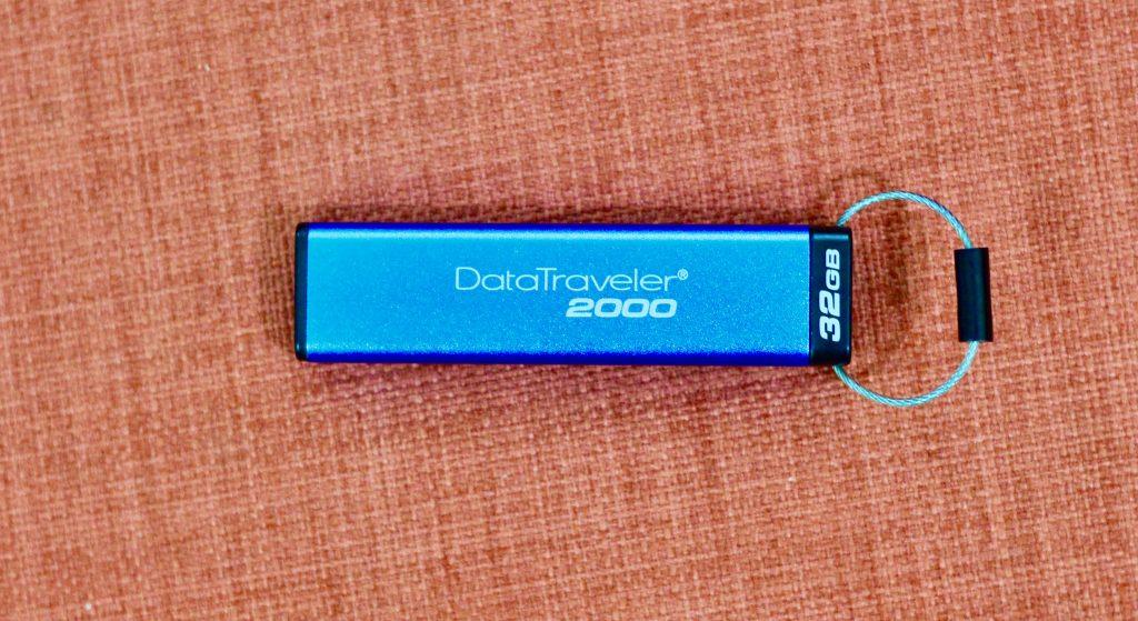 Kingston DT2000 Encrypted FlashDrive 1 2