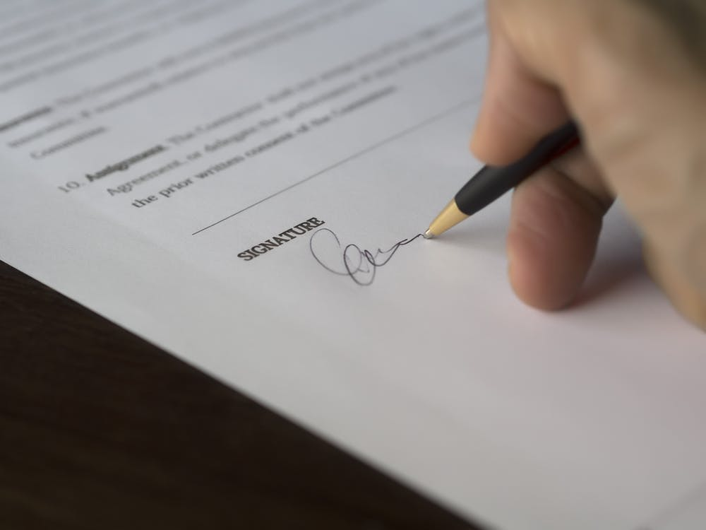 signature contract business