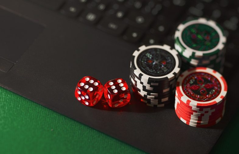 What is the Tech Behind a Live Dealer Casino?